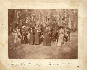 The Cloutier and McKnight families and friends. Dec 4, 1900